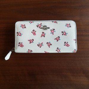 Coach Accordion Zip Wallet W/ Floral Bloom